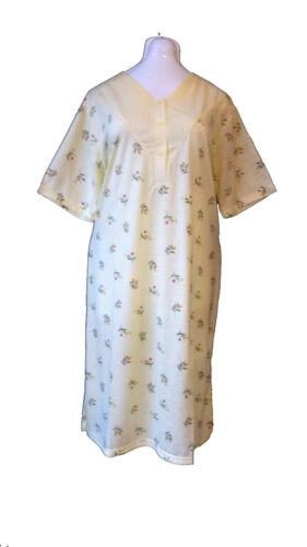 Damen Nachthemd  Kurzarm Gepunktel mit Blumen Baumwolle  3 Knöpfen