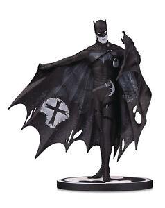 Dc-Comics-Batman-Noir-et-Blanc-Batman-Statuette-par-Gerard-Voie