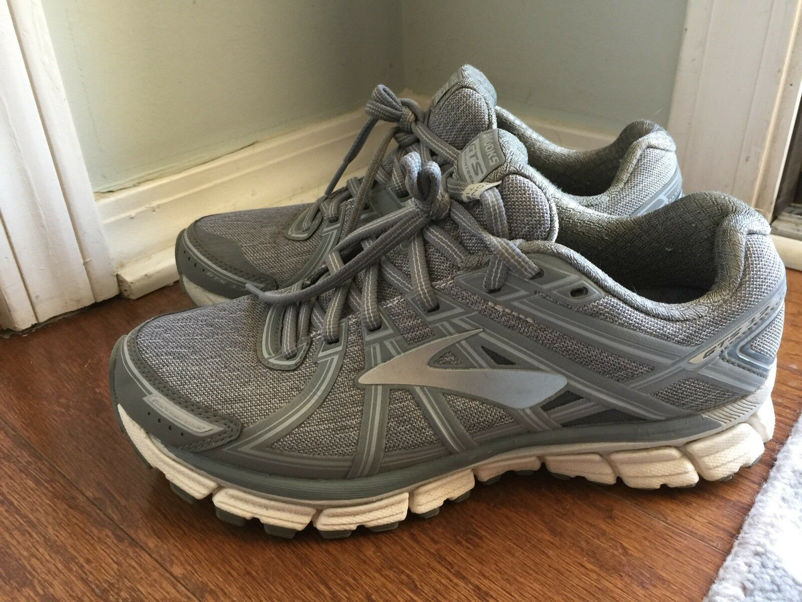 Pre-Owned Women's Brooks Adrenaline GTS 17 - 8 8 8 - Grey af6d2c