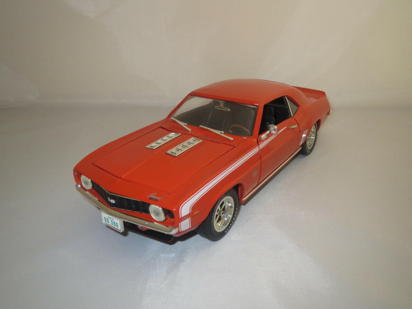 ERTL American Muscle CHEVROLET CAMARO SS  396 (1969)  Orange  1 18 Sans VP.  autorisation officielle