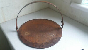 Vintage-Gypsy-Swinging-Griddle-Plate-Skillet-Cast-Iron-Open-Fire-13-1-2-inch