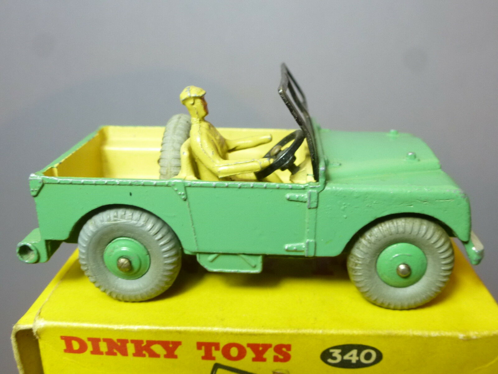 VINTAGE  DINKY TOYS MODEL No.340 LAND ROVER       GREEN VERSION     VN MIB 2413bd