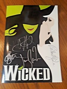 WICKED-BROADWAY-CAST-SIGNED-SOUVENIR-PROGRAM-2010-Houston-Hobby-Center