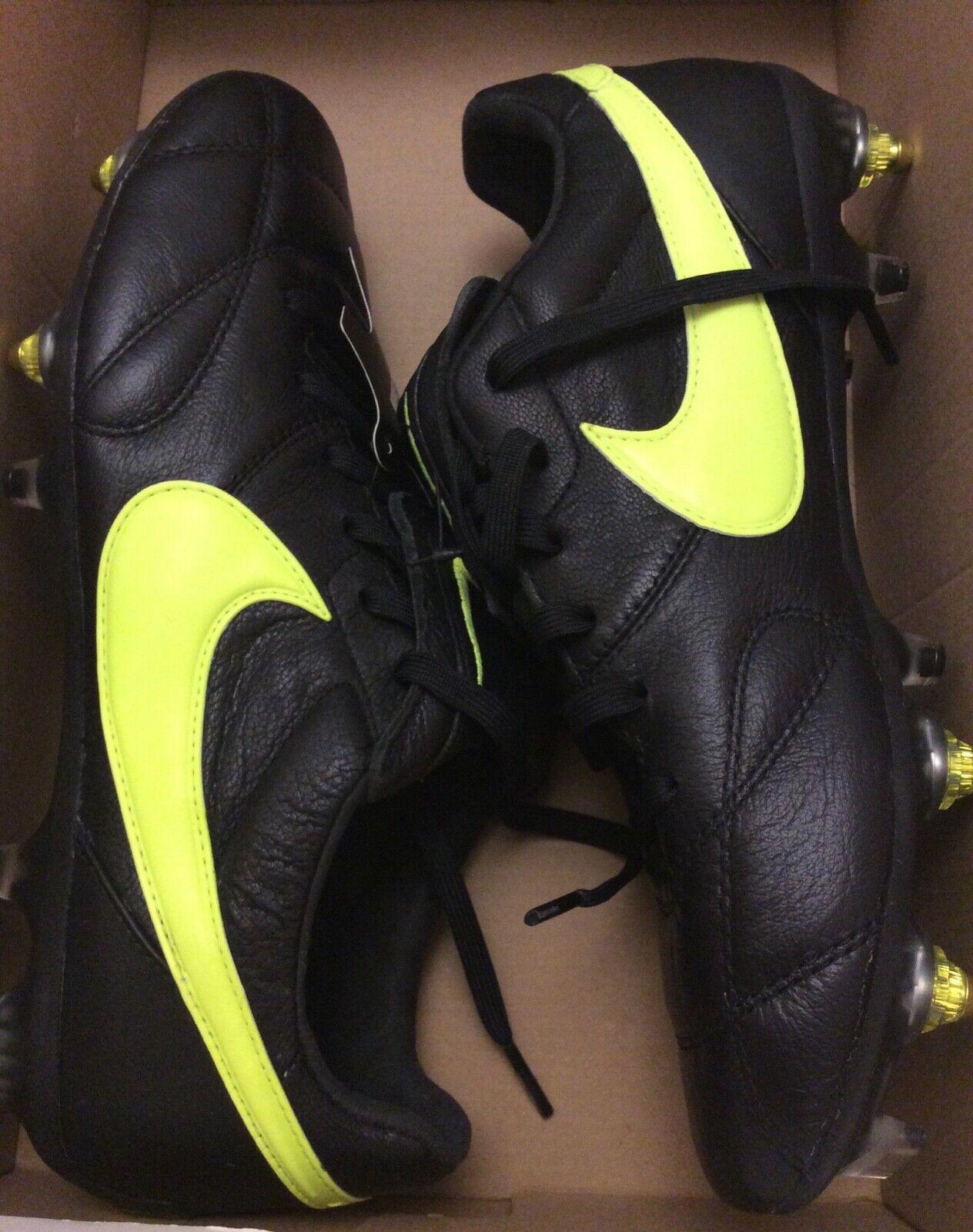 The Nike Premier II SGPRO AC 921397-001 UK6 US7