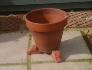 pot risers//flower pot stands ^A set of 9 stone lion paw garden plant pot feet