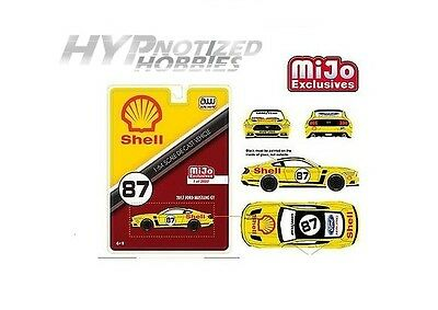 Autoworld CP7439 2017 Ford Mustang GT Shell Racing Yellow #87 Limited Edition to 3600pcs 1//64 Diecast Model Car