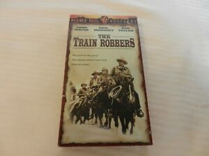 The-Train-Robbers-VHS-1997-John-Wayne-Rod-Taylor-Ann-Margret