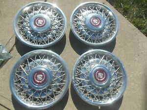 Set-4-Cadillac-Spoke-Wire-Hubcaps-Hub-Caps-Wheel-Covers-1986-1992-RWD-Hardware