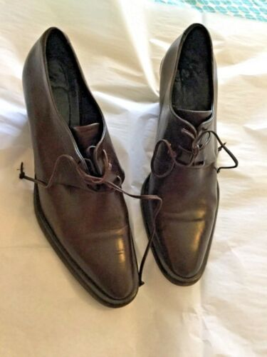 EXCELLENT CONDITION Joan & David Brown Leather Lac