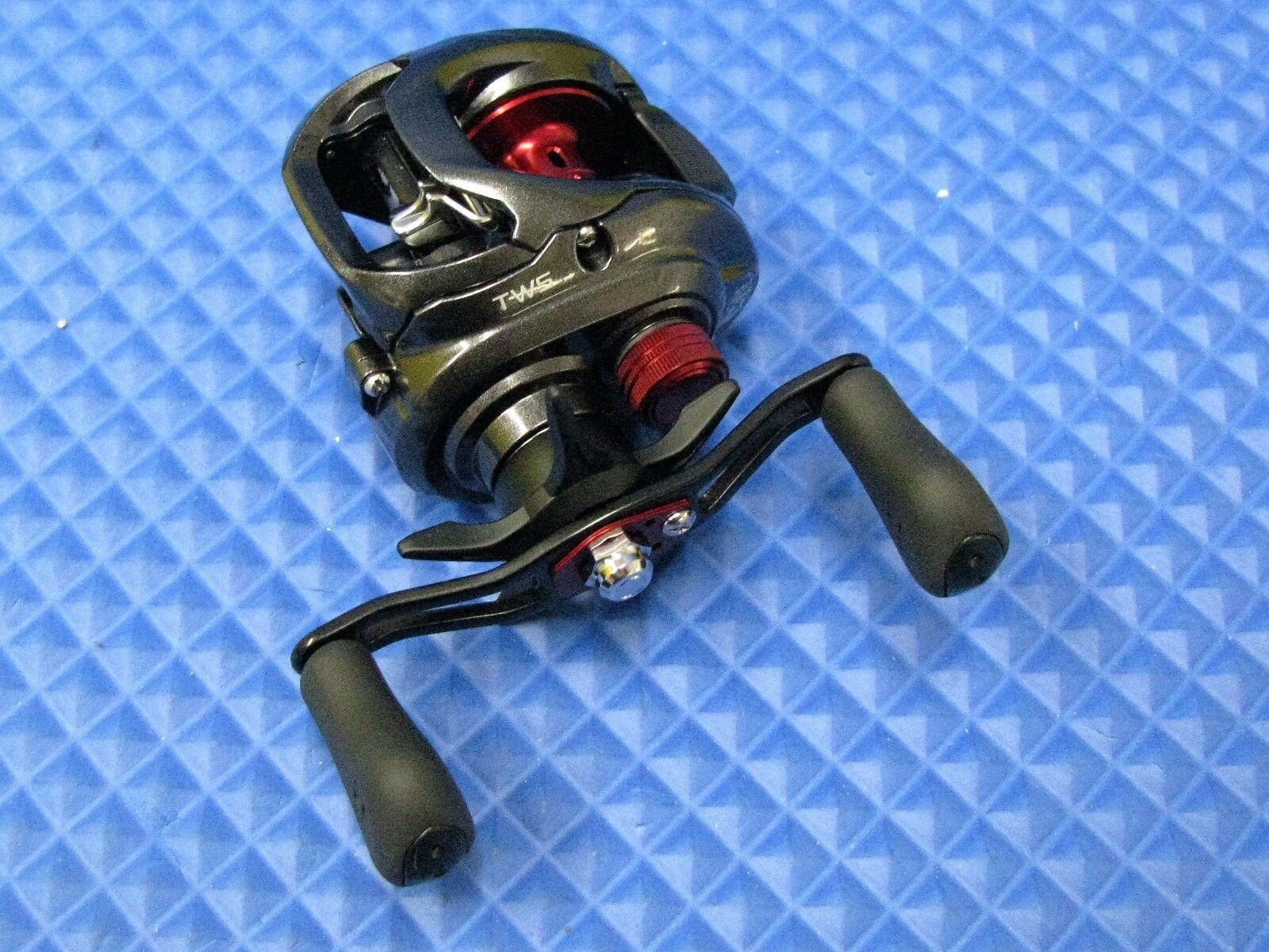 Daiwa Baitcasting Reel With Double Double Double Handle Tatula CT 100HSL TACT100HSL 77a162