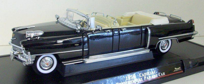 Road Signature 1 24 Scale - 24038 1956 Cadillac Presendential Parade Coche