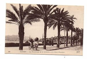 06-cpa-CANNES-La-promenade-de-la-Croisette-et-le-Mont-Chevalier-C3244