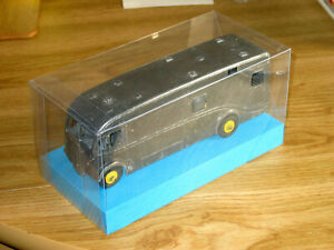 DINKY-SUPERTOYS-HORSE-BOX-No-581-981-1953-54-MODEL-KIT-MODEL-DISPLAY-BOX