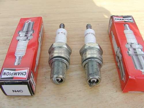 2 X CHAMPION bougies N4C BSA A7 A10 A50 A65 B44 D10 D14 Spark Plugs français