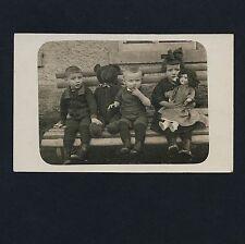 CHILDREN & BIG TEDDY BEAR / KINDER & GROSSER TEDDYBÄR * Vintage 10s Photo PC