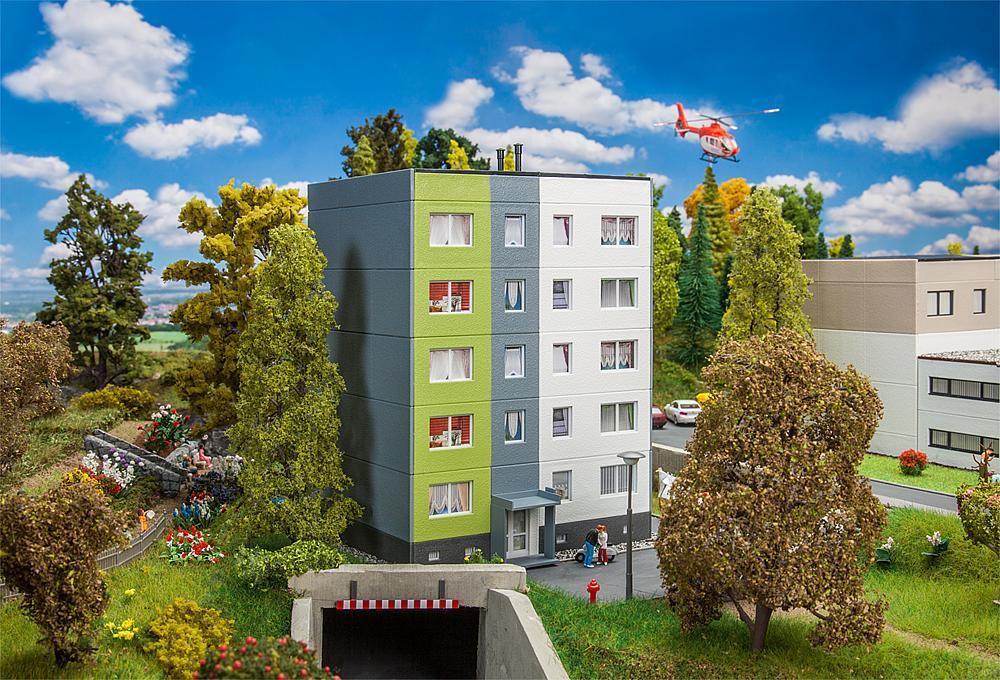 Ftuttier 191735 Palazzo di residence per le infermiere infermiere infermiere studenti 158x134x198mm NUOVO OVP 539df7