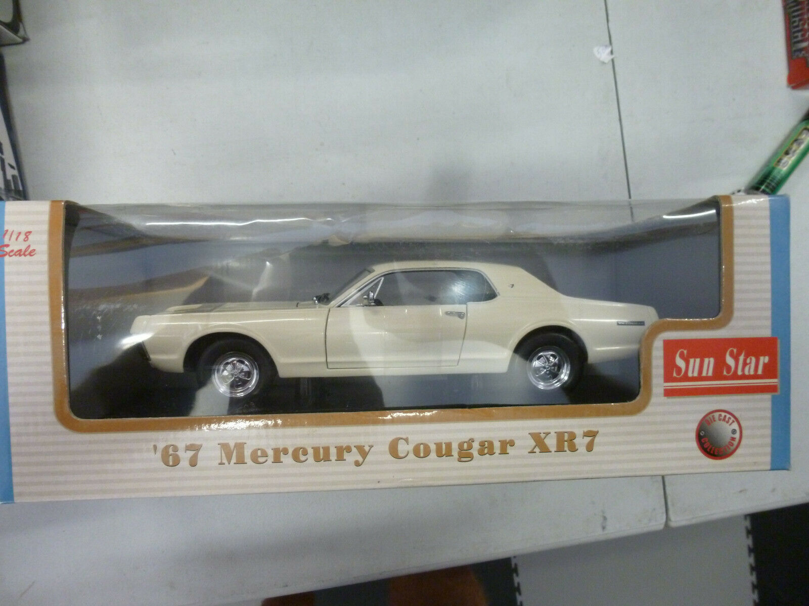 MERCURY COUGAR XR7 ---1967 --- 1 18 SUNStern