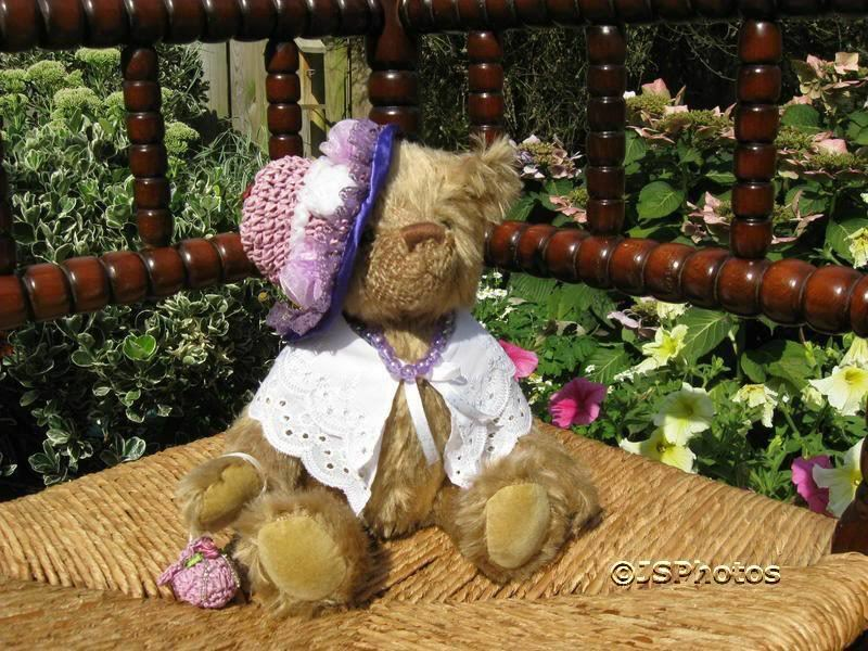 Kleeneze UK Old Fashioned Victorian Lady Mohair Bear