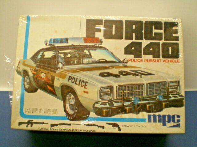 Vintage MPC FORCE 440 Police Pursuit Vehicle Model Kit 1-0723 **L@@K**