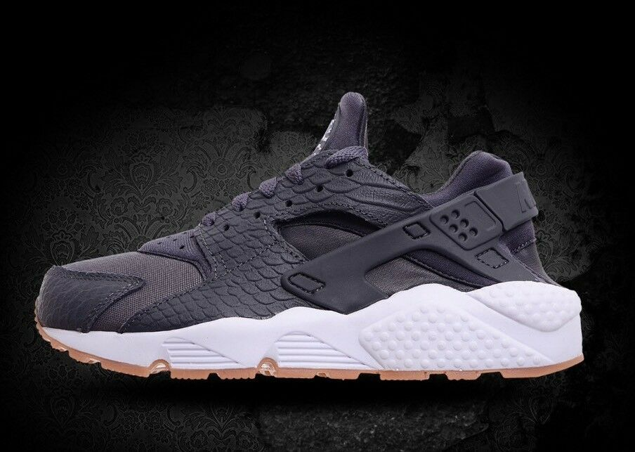 W W W NIKE AIR HUARACHE RUN SE SZ  WMNS 6  859429 006 RETAIL   120.00 cf3110