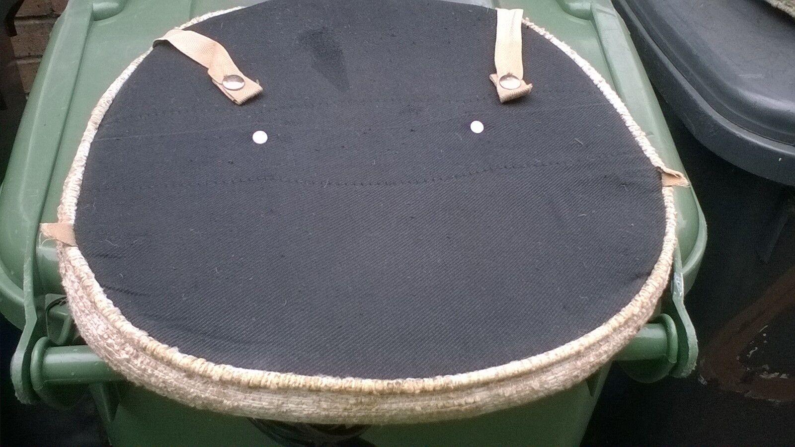 Cérémonie de de Cérémonie mariage sur le traîneau, cérémonie d'amitié du père Noël. Vintage Ercol chaise Coussins de siège 21f31d