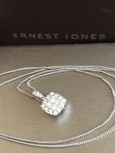 Ernest-Jones-9ct-White-Gold-Halo-Square-Diamond-Necklace-0-50ct-Pendant-Chain