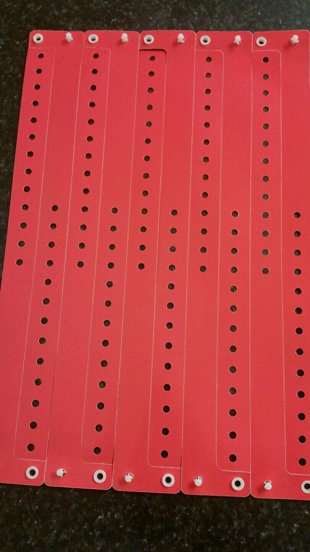500 1.9cm PLASTIQUE Rouge Bracelets, PLASTIQUE Rouge Brassards