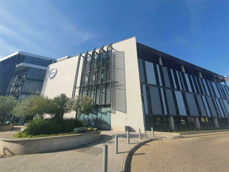 MASSIVE 1,611 SQM OFFICE TO RENT IN CENTURION SQUARE BASED AT 1262 HEUWEL ROAD