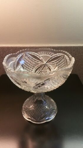 BEAUTIFUL VINTAGE CLEAR CUT GLASS CRYSTAL PEDESTAL BOWL