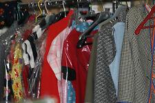 lot revendeur 50 vetements et accessoires vintage femmes annee 40 50 60 70 80