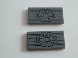 Lego-87079-pb347-2x-Tuile-Carreau-2x4-Autocollant-Gris-Nouveau-Gris-Fonce-7961