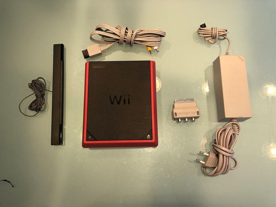 Nintendo Wii, Wii Mini, God