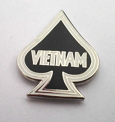 VIETNAM SPADE   Military Veteran Hat Pin P14785 EE