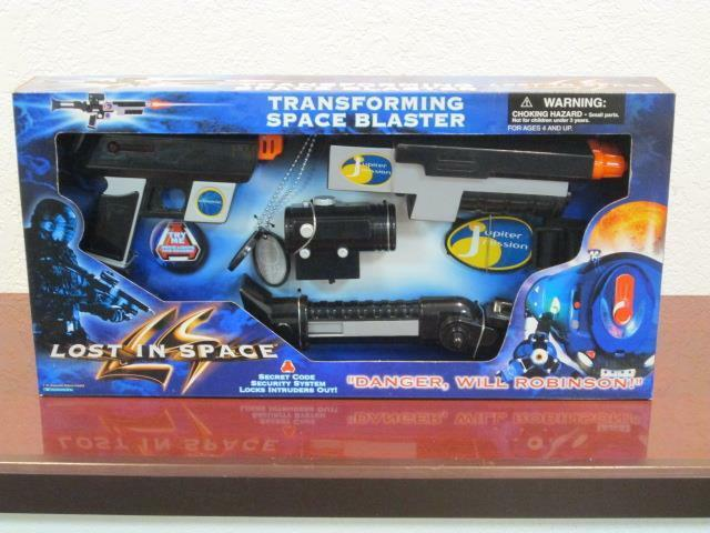 1997 LOST IN SPACE SCI-FI MOVIE DON WEST TRANSFORMING SPACE BLASTER RIFLE MIB