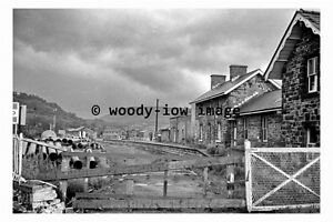 bb0740-Builth-Wells-Railway-Station-remains-Wales-photograph-1967