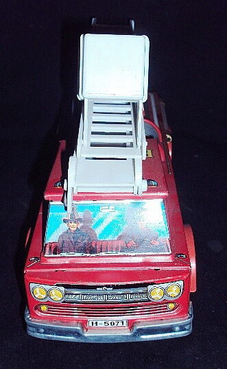 HORIKAWA JAPAN MADE FIRE ENGINE TOY 1960 OLD VINTAGE RARE BATTERY OPERATED