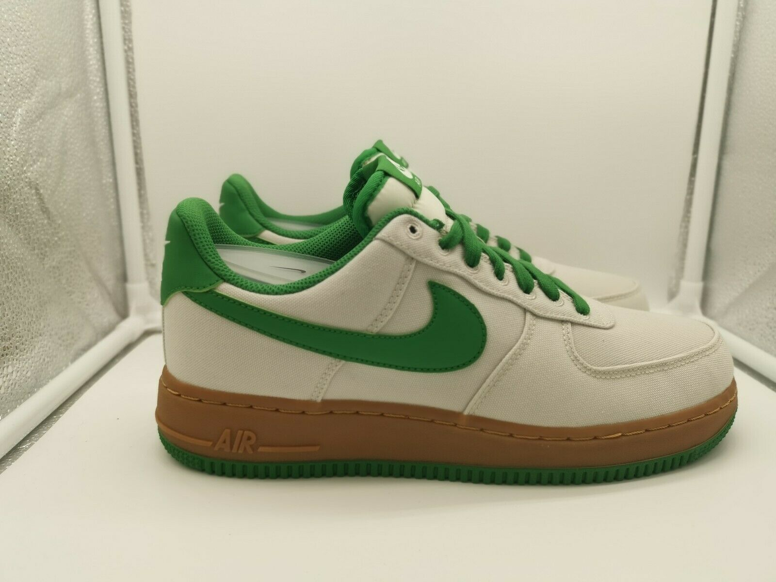 Nike Air Force 1 UK 7.5 Light Bone Aloe Grün Grün AJ7282-003