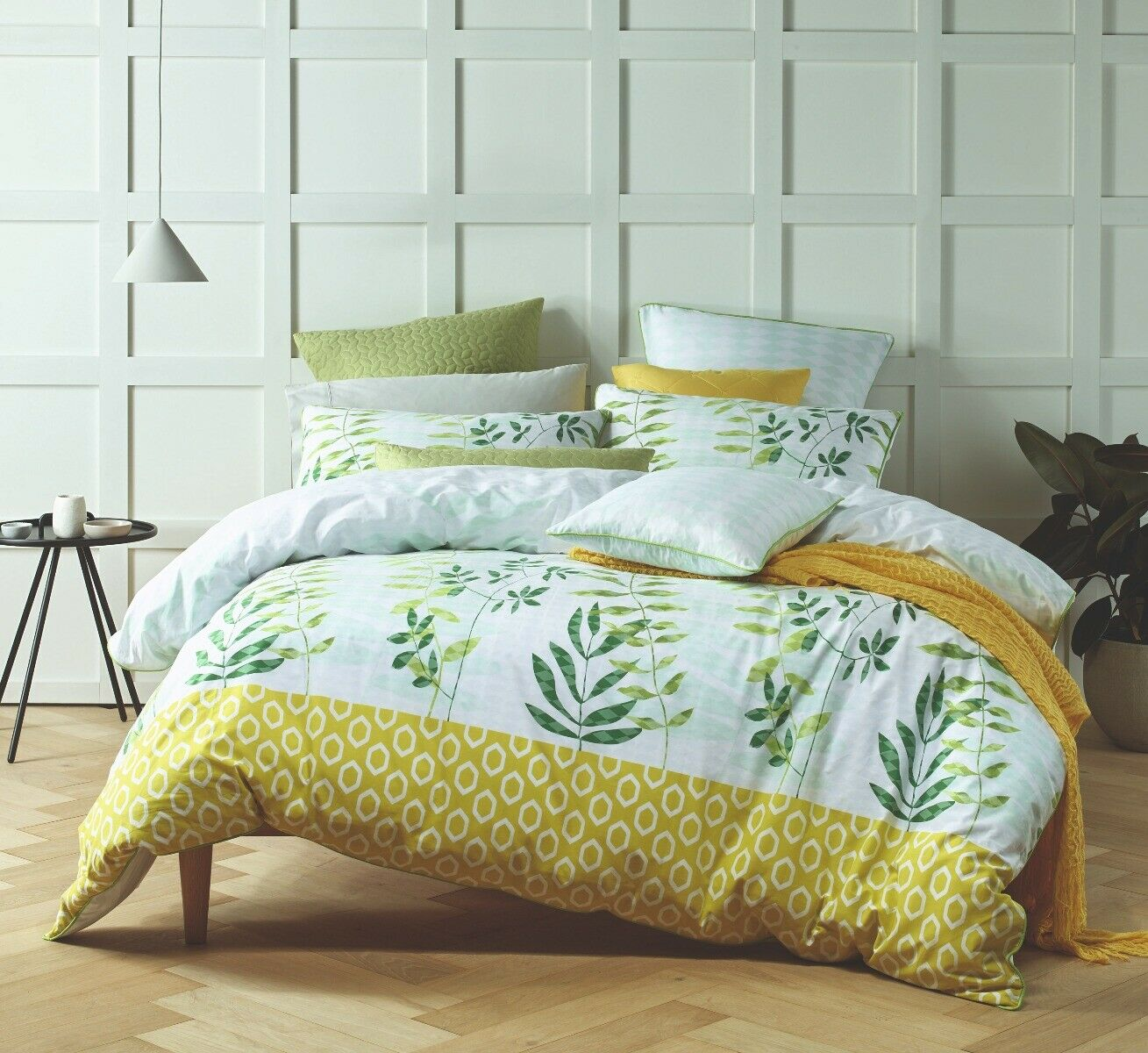 Bianca Tendril verde Doona Duvet Quilt Cover Set in All Dimensiones