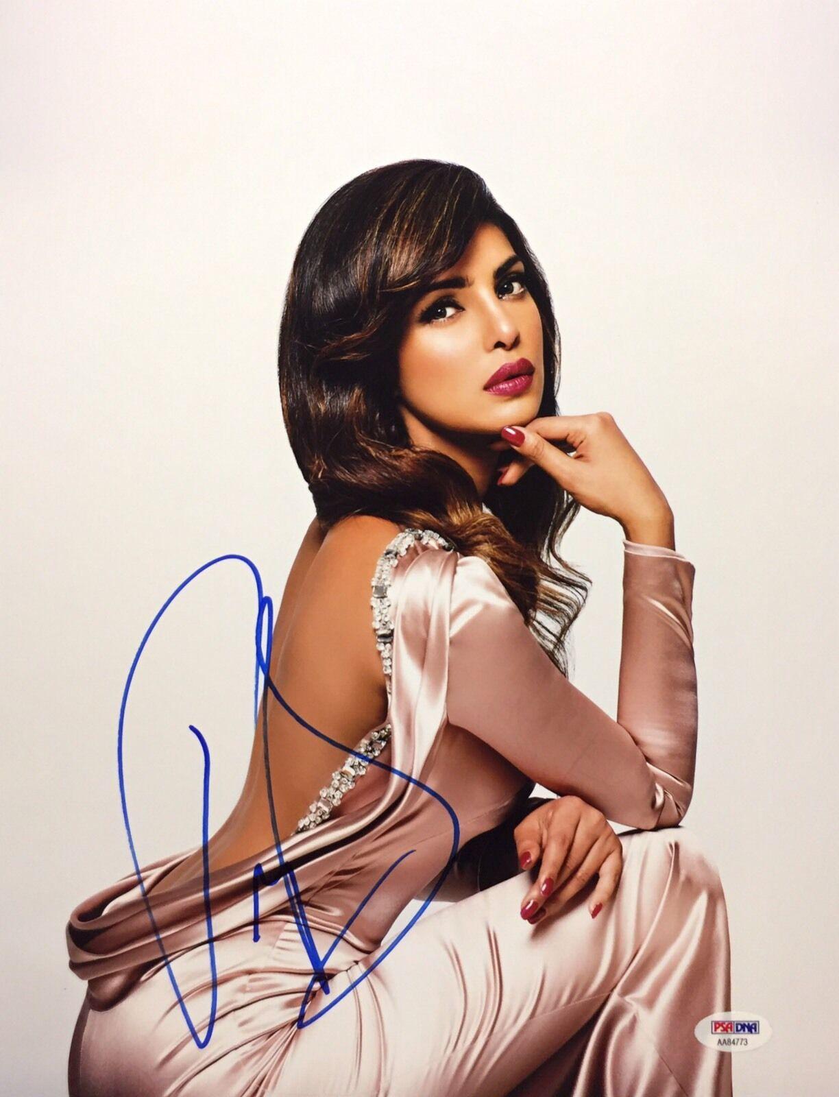 Priyanka Chopra Signed 11x14 Photo *Baywatch *Quantico *Model PSA AA84773