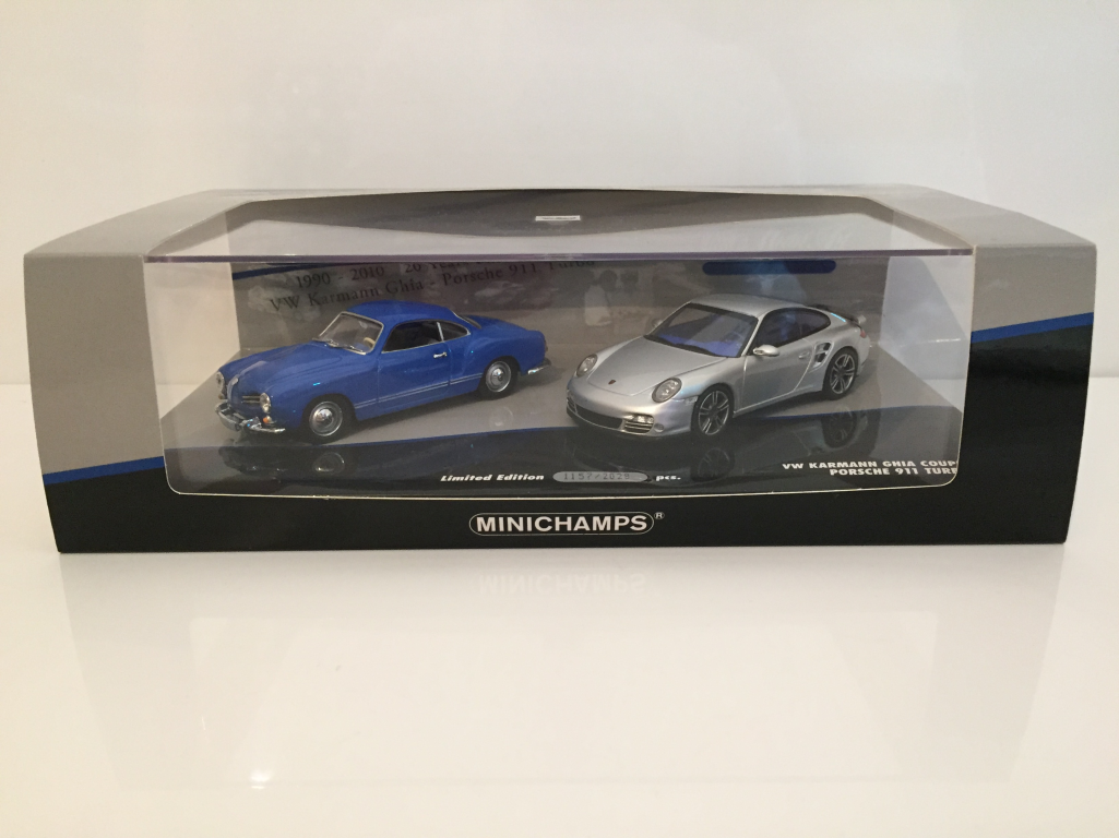 Minichamps 402902010 VW KARMANN GHIA COUPE 1955 PORSCHE 911 Turbo 2010
