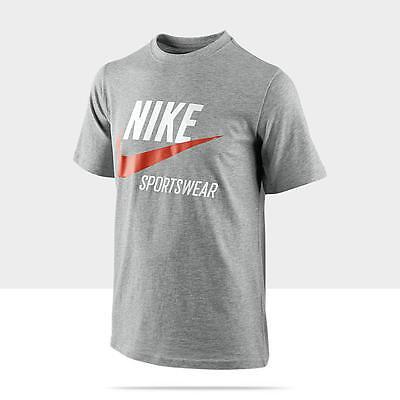 Nike Boy/'s Red Sptcas Sportswear Graphic T-Shirt Nike Logo 395482-654 S M L XL