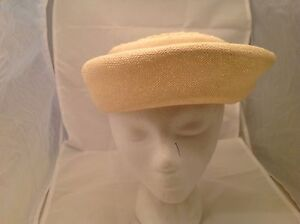 Vintage-Ladies-Hat-Union-Made-Cream-Colored-Woven-Hat-W-Grosgrain-Ribbon-amp-Bow