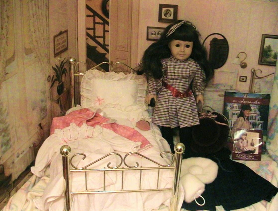 Vestido de noche American Girl retirado agradable compañía Samantha Muñeca W cama,, capa