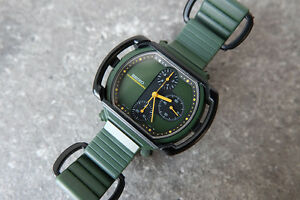 SEIKO-7A28-500A-GIUGIARO-Motocross-Speedmaster-Chronograph-Vintage-Green-Watch