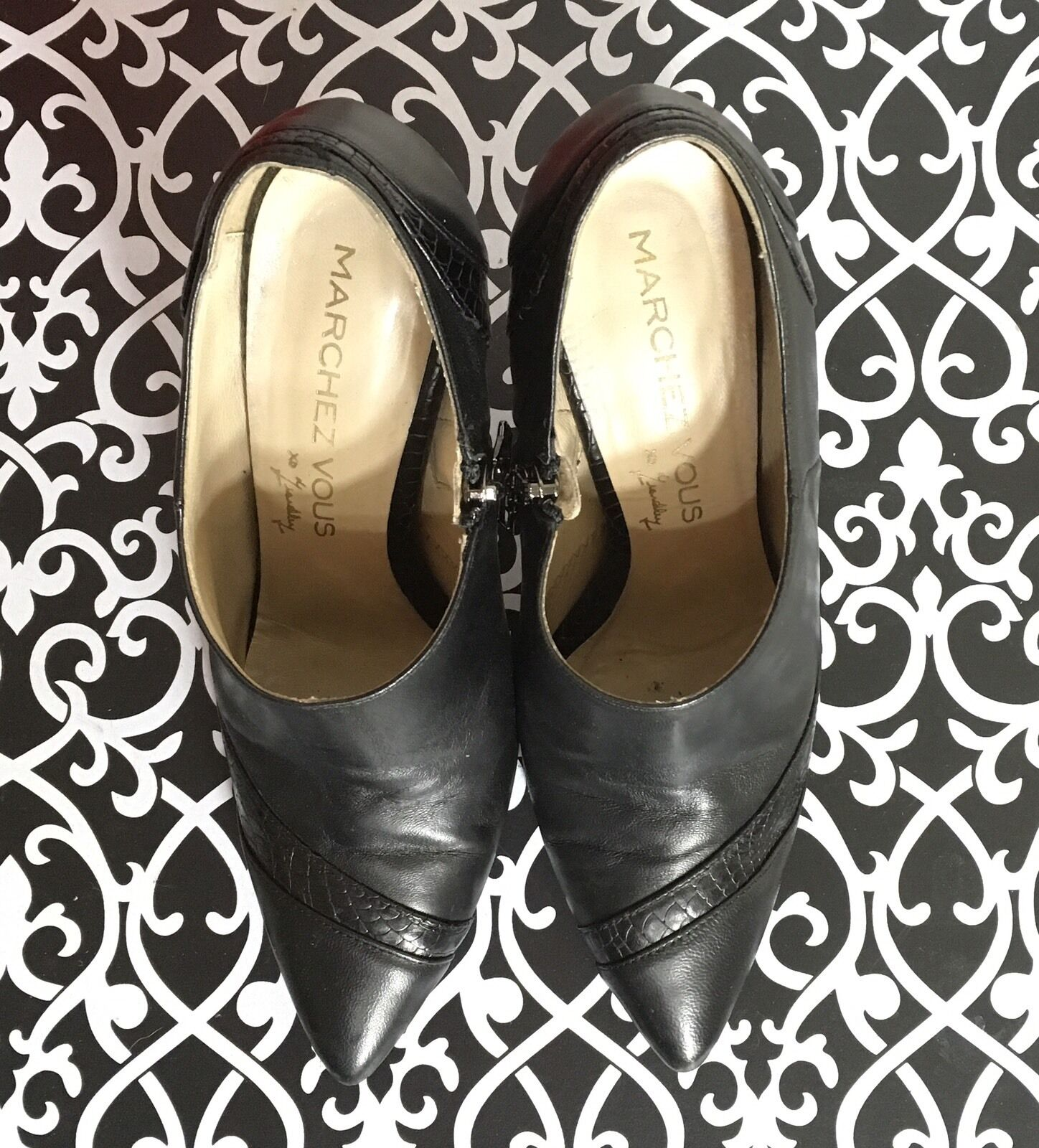 MARCHEZ VOUS by Yeardley Vida Black Ankle Boots Size 8 Leather Heels Booties