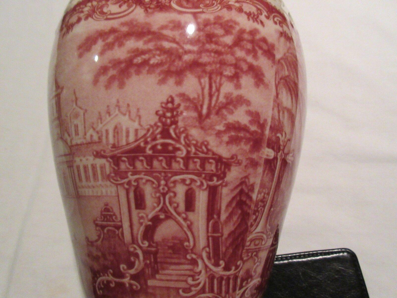 Vase, Burton & Burton , Bogart , GA , Red And White Wit