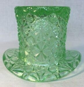 Boyd-Art-Glass-Aloe-Daisy-And-Button-Hat