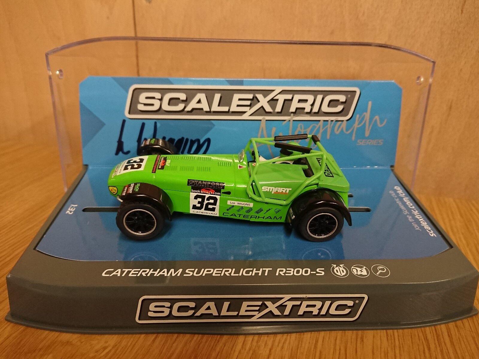 SCALEXTRIC C3871AE Signature Series Caterham Superlight R300-S Lee Wiggins No.32