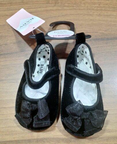 M/&S Zapato de Bebé Niñas Negro Terciopelo Edad 3-6 meses nuevo con etiquetas Gratis 1st Class Post
