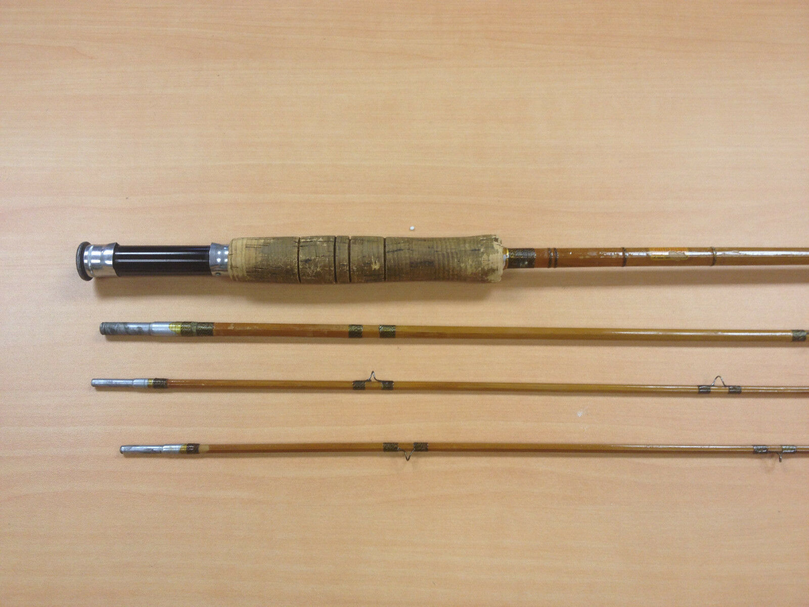 SOUTH BEND Bamboo Fly Fishing Rod Model 323 - 9' Cloth Case & Tube